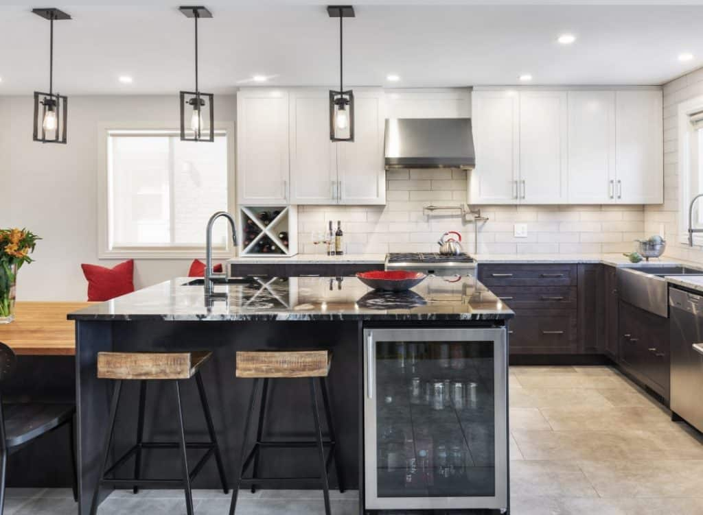 How To Decide Between Light Or Dark Kitchen Cabinets