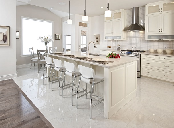 Use White Or Lighter Colours On Walls Cabinets And Floors It Really Does Make Es Feel Larger