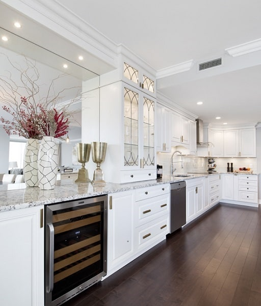 The ins and outs of arranging kitchen appliances - Arranging a small kitchen ...