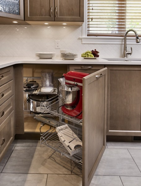 The Ins And Outs Of Arranging Kitchen Appliances